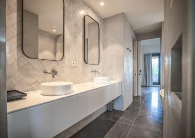 Wasbakken in badkamer